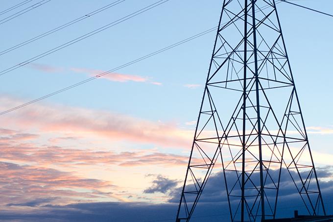 送電線の鉄塔が立っている場所は「狼煙台」跡が多い