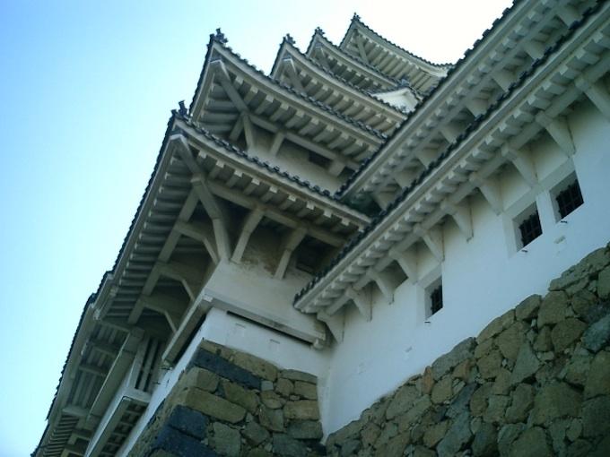 姫路城の天守閣を23円50銭で売り飛ばしていた維新政府